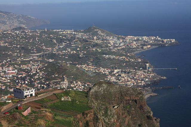 Blick vom Cabo Girão auf Funchal