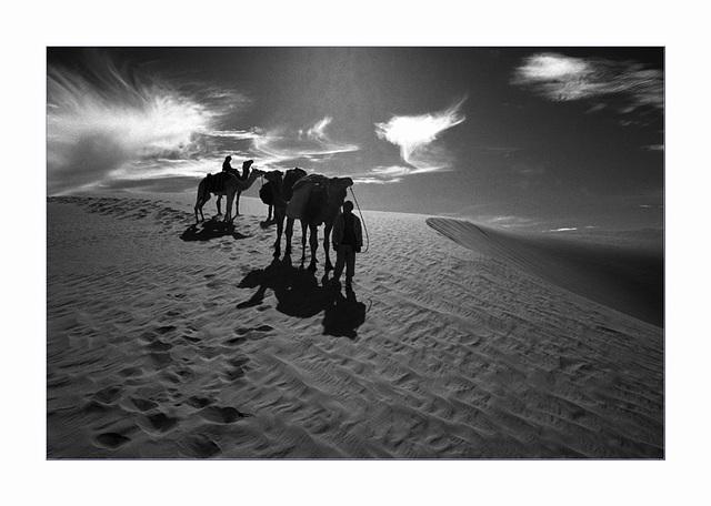 là-bas...........interlude de sable et de vent