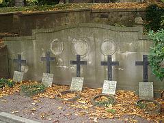 Cimetière de Helsingborg /  Helsingborg cemetery-  Suède / Sweden - Quintette de croix - Crosses quintet / 22 octobre 2008.