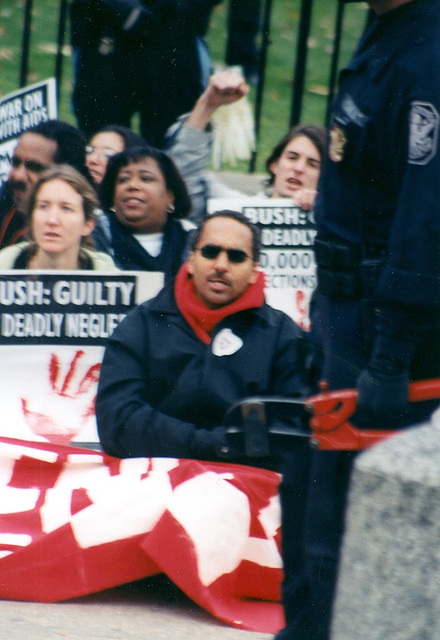 10.09.CodeRed.DieIn.WhiteHouse.WDC.26nov02