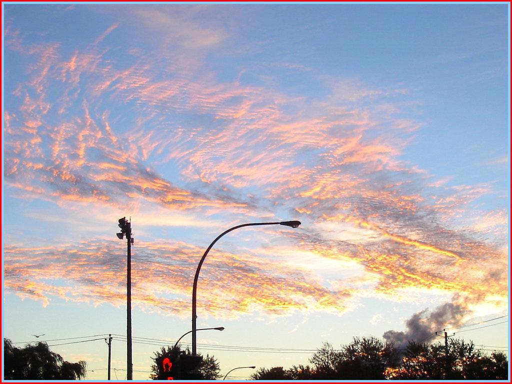 Lever de soleil - Sunset - Octobre 2007.  Dans ma ville - Hometown.