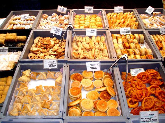 Louvain-Leuven- Bouffe du marché- Belgique-  10 novembre 2007.