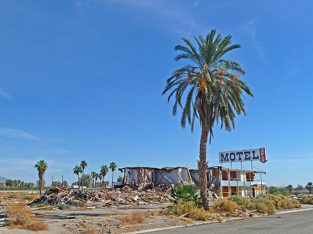 North Shore Motel Demolition (2127)