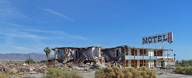 North Shore Motel Demolition (2129)