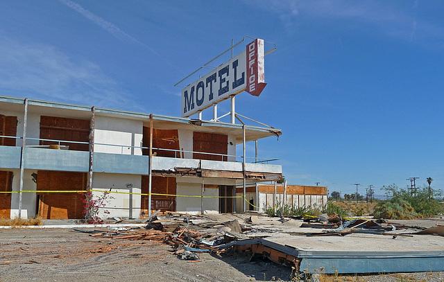 North Shore Motel Demolition (2133)