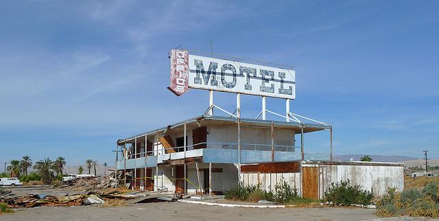 North Shore Motel Demolition (2136)