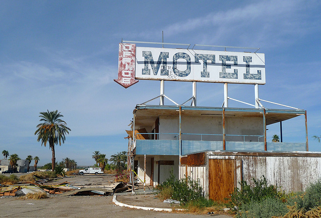 North Shore Motel Demolition (2138)