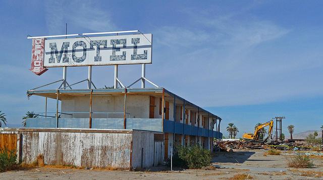 North Shore Motel Demolition (2139)