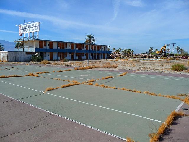 North Shore Motel Demolition (2140)