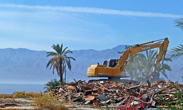 North Shore Motel Demolition (2143)