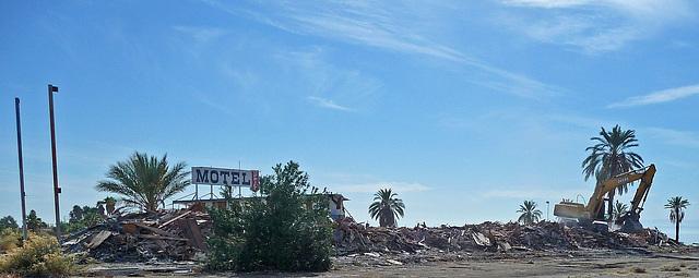 North Shore Motel Demolition (2147)