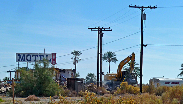 North Shore Motel Demolition (2152)