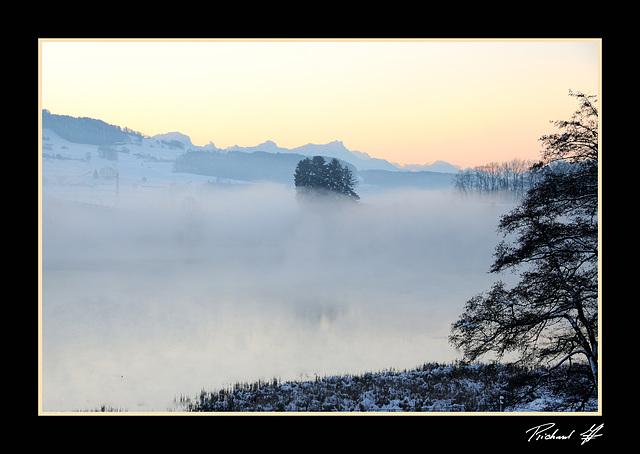 Brume sur le Lac de Bret