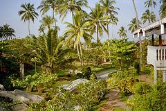 En la parko de la Siddhalepa Ayurveda Health Resort en Wadduwa