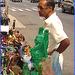 Vendeur de paradis artificiel / Artificial paradise salesman - NYC. USA.