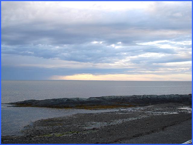 Coucher de soleil / Sunset - Pointe-au-père- Qc, Canada. 23 juillet 2005