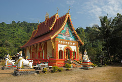 Small temple in Pha Thang