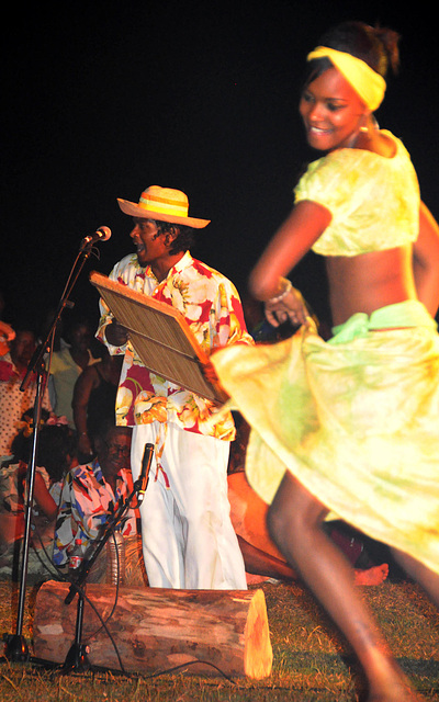Maravanne Player with Dancer
