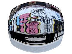 Graffitis roulants - Wheeling graffitis /  Canal street - NYC.