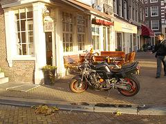 Amsterdam- Hill Street Blues Coffee Shop & moto-  12 november 2007.