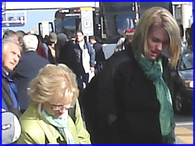 Blonde mature en Bottes à Talons Hauts - Blond mature in High-Heeled Boots - PET Montreal airport.