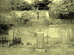 Helsingborg cemetery - Cimetière de Helsingborg- Sweden / Suède - The Olssons & Hanna / 22 octobre 2008 - À l'ancienne.