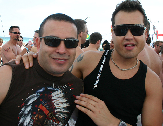 532.WP07.BeachParty.SBM.FL.4March2007