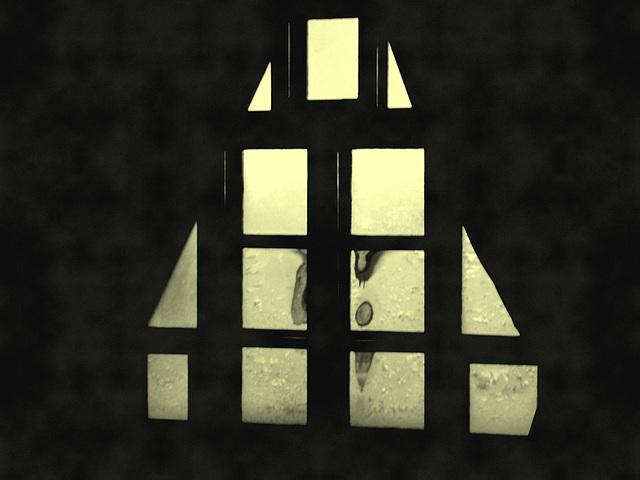 Room's window  -  Fenêtre de chambre /  Abbaye de St-Benoit-du lac au Québec  - 7-02-2009 B - En photo ancienne / Vintage