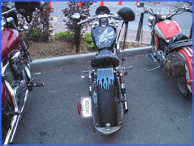 Trio de Harley Davidson- Cegep de Rimouski.  Québec- CANADA. 23 juillet 2005.