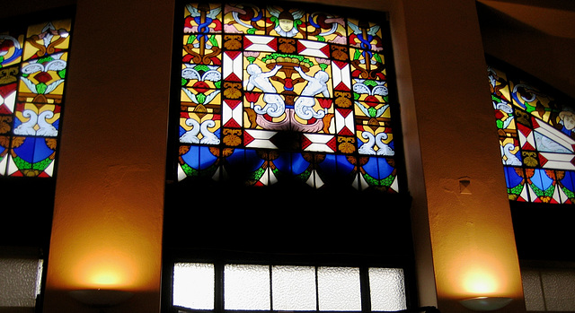 Coimbra, Restaurant & Coffee Shop Saint Cruz, stained glass (1)