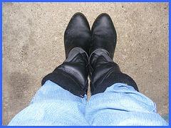 Les bottes de travail de mon Amie Christiane -  My good friend Christiane's working boots -With / Avec permission.