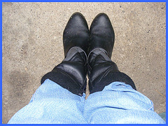 Les bottes de travail de mon Amie Christiane -  My good friend Christiane's working boots -With / Avec permission.