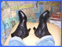 New high-heeled boots of my friend Christiane - Nouvelles Bottes à Talons Hauts de mon Amie Christiane - Avec permission.