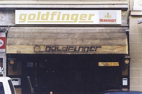 Goldfinger Bar in der Münchener Strasse. Um 2002