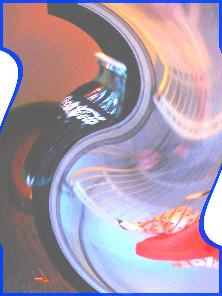 Coca Cola et jus d'orange - Killington Pico Motor Inn.  Spiralé avec photofiltre- . Killington, Vermont. USA.