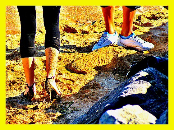 Ester's sandy dancing heels candid shot -  Dancing in the sand in high heels - Talons hauts dansant dans le sable - Photofiltered by myself / Photofiltrée par moi-même.