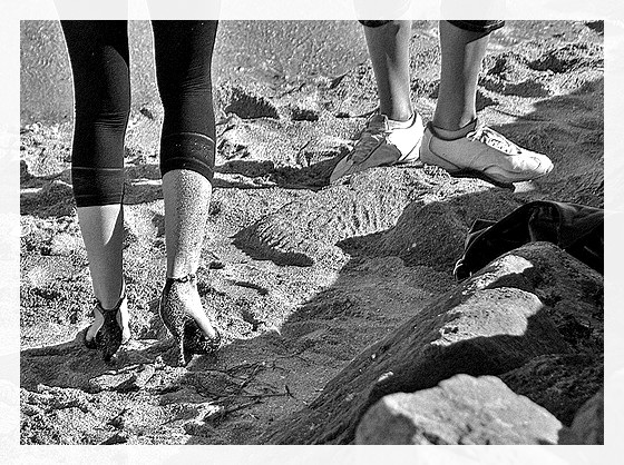 Ester's sandy dancing heels candid shot -  Talons hauts dansant dans le sable-  Dancing in the sand- Avec  / With permission -  Photofiltre en noir et blanc  / In black & white