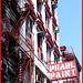 Pearl Paint-  Perle rouge en peinture !  NYC.