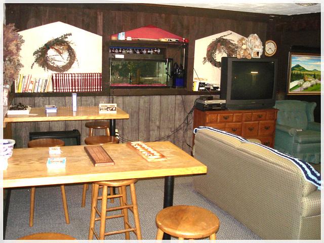 Killington Pico Motor Inn / Salle de jeu - Games room / Killington, Vermont. USA.  August 7th 2008.