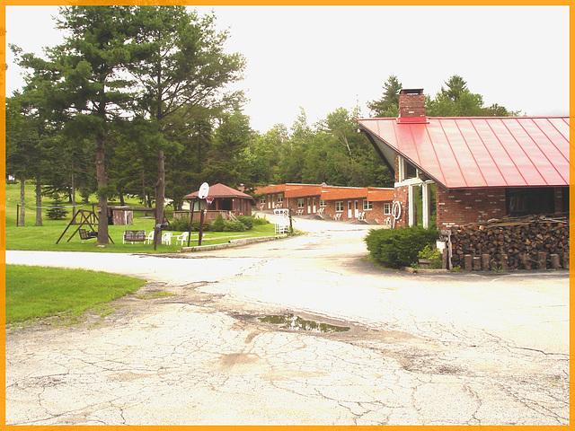Killington Pico Motor Inn  / Killington, Vermont. USA.  August 6th 2008.