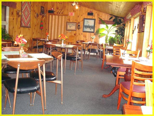 Killington Pico Motor Inn / Salle à manger - Dining room / Killington, Vermont. USA.  7 août 2008.