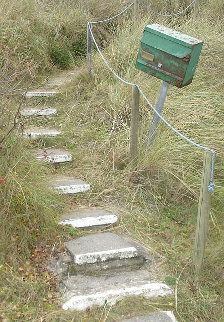 Treppe mit Briefkasten