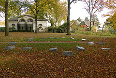 Nederland - Apeldoorn, Verzetstrijders Monument (Resistance Fighters Memorial)