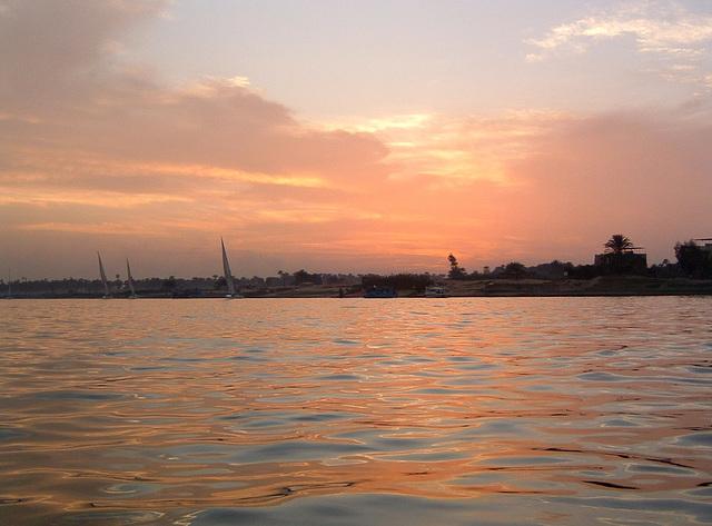 Soleil couchant sur le Nil