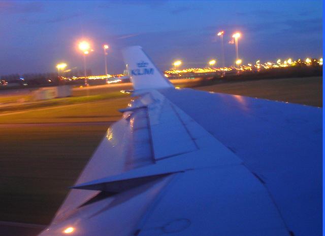 Sky colours / Couleurs de ciel - Vol  / Flight Amsterdam - Montréal - 12 Nov 2007 - Photofiltrée.