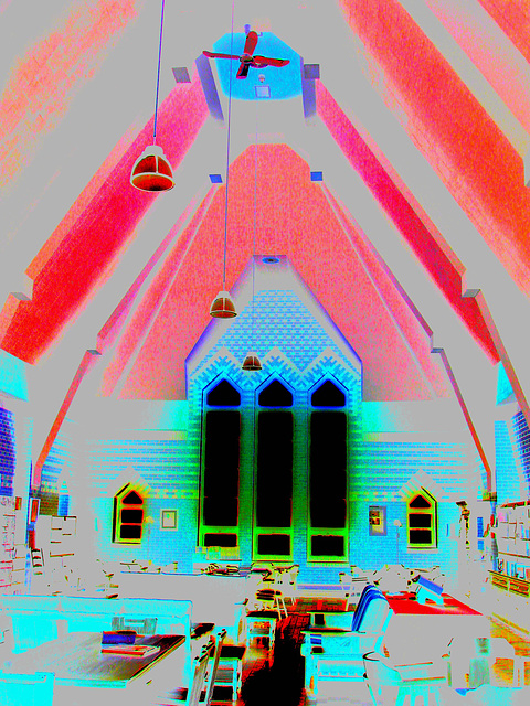 Abbaye de St-Benoit-du-lac au Québec - 7 février 2009 - Brightened up colours in negative effect