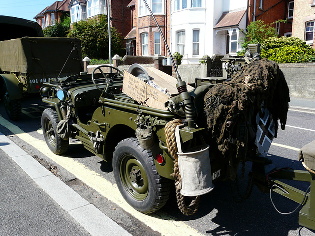 1943 Army Jeep USA -Rear and Gear