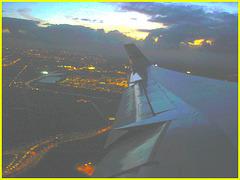 Sky colours / Couleurs de ciel - Vol  / Flight Amsterdam - Montréal - 12 Nov 2007 . Photofiltrée