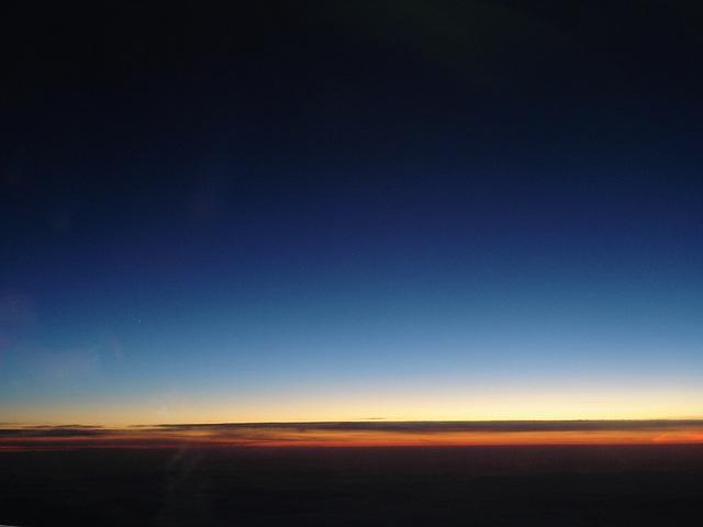 Sky colours- Vol  / Flight Amsterdam - Montréal - 12 Nov 2007 .