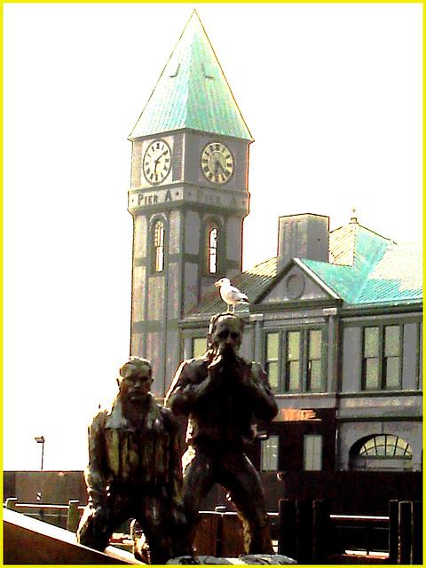 L'heure des sculptures - Battery Park 's little big Ben's sculptures duo- NYC -  Photofiltre création.